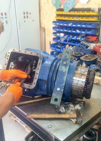 Разборка и ремонт поршневого холодильного компрессора Bitzer 6F-40 Киев
